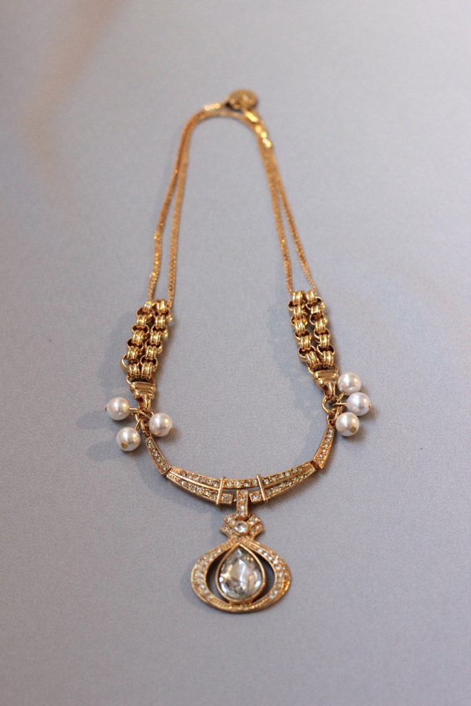 Twinkling Holiday Necklace