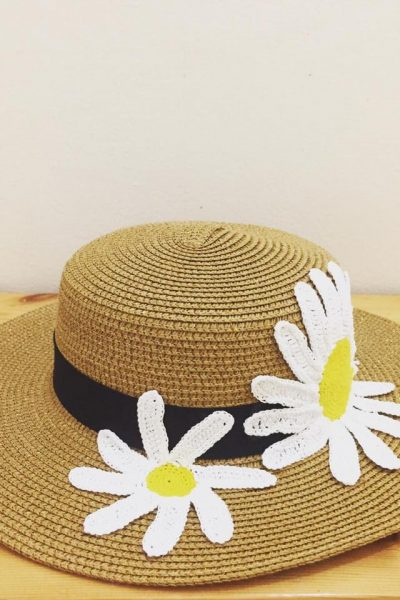 Daisies Gold Base Summer Hat