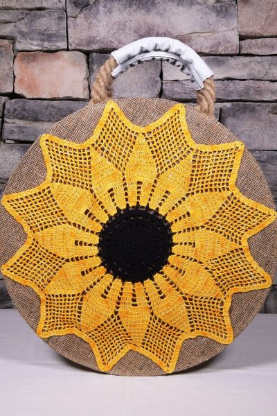 Round Beach Bag with Knitted Tournesol