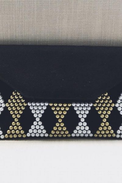 Slim Clutch – Black Velvet with pearls