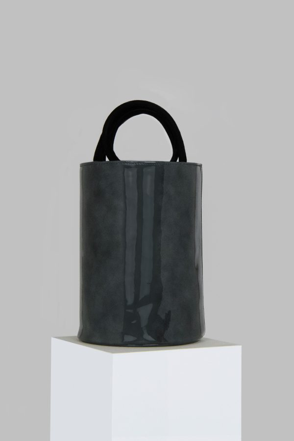 XL Kyklos Bag in Grey Patent Leather